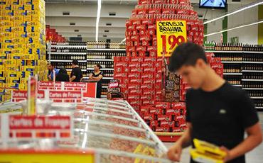 IPCA bem menor no 1º tri impulsionou consumo das famílias, diz IBGE